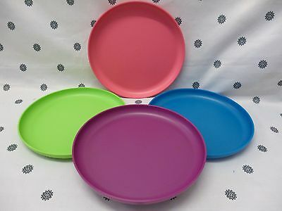 Tupperware Round Dinner Plates with raised edges Blue Pink Purple Green NEW & TUPPERWARE ROUND DINNER Plates with raised edges Blue Pink Purple ...