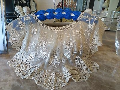Antique Victorian Lace Collar Capelet Needle Net Lace Cream Ivory FLORAL design