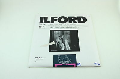 187769  Ilford Multigrade IV RC De Luxe 8x10 Glossy Photographic Paper