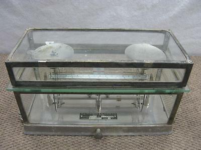 ANTIQUE PHARMACY TORSION BALANCE CO. SCALE STYLE 269 CLASS A in Glass Case