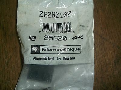 NEW Telemecanique ZB2BZ102 25620 Contact Block with Base  *FREE SHIPPING*