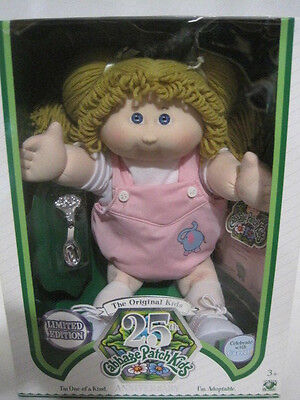 New 25th Anniversary Cabbage Patch Doll Limited Edition (HKY39-401)