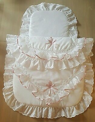Beautiful pram set quilt and pillow in pink and white brand new.
