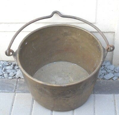 ANTIQUE VICTORIAN c1880 LARGE HEAVY BRASS IRON HANDLE CAULDREN PLANTER PLANT POT