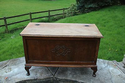 WH0009 - Quality antique hinge-lid Oak blanket storage Box (Trunk Chest) -relief