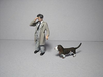 2  Figurines  Peintes  1/43  Set  349  Columbo  Peter  Falk   Vroom  Peugeot 403
