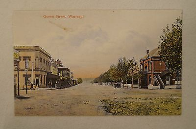 Warragul - Queen Street - Victoria -Collectable -Vintage -Postcard.