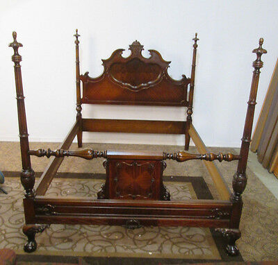 57515   Walnut Jacobean Full Size Poster Bed w/ Rails