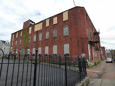 Commercial Brick 3Fl Whs Gated Patio ~30000 Sq Ft Dwntwn Reading Philly Sbrbs PA