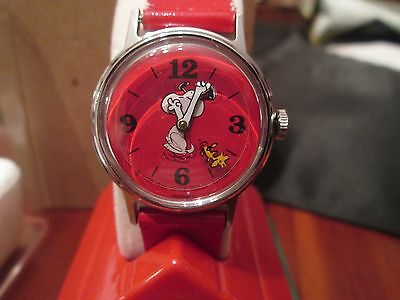 "Vintage Snoopy Timex Red Watch ""Floating Woodstock Sweep"" Old store stock"" MIB"
