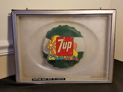 Vintage 7UP Soda Machine Display Logo Replacement Part Psychedelic Bottle Cap