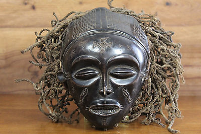 Beautiful old Chokwe female pwo mask - Africa Angola Congo Zambia 20th century