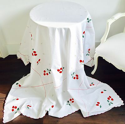Vintage Cotton Embroidered And Appliqué Table Cloth Stunning Strawberries