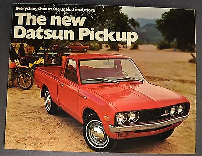 1972 Datsun Pickup Sales Brochure Folder Excellent Original 72