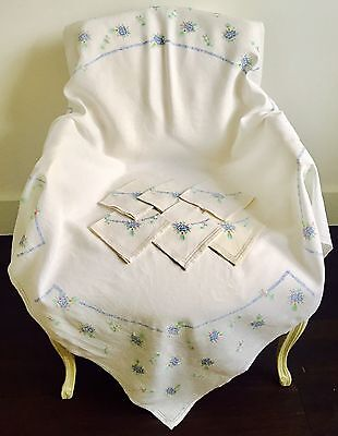 Vintage Linen Hand Embroidered Table Cloth & Napkins Bunches Of Flowers