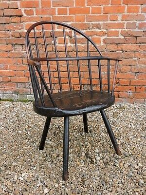 18th Century Amercian Antique Sack Back Windsor Armchair Original Paint C.1760