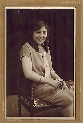 Carte Photo vintage card RPPC Leeuwerck Poperinghe jeune femme robe mode kh0347