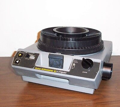 KODAK Carousel Ektagraphic III A  Slide Projector w/ Remote -- NOISY FAN
