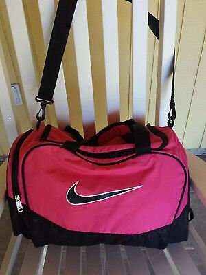 Nike Athletic Bag Gym Fitness Travel Overnight Pink/Black