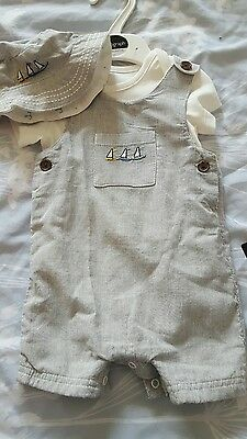 BNWT Marks and Spencer Autograph short suit 0-3 months