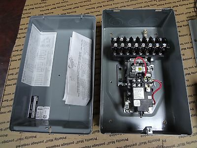 Square D 20A 8903 0L1000 10 Pole Lighting Contactor 120V Coil Electrically Held