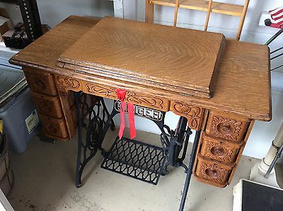 Early 1900's Singer Treadle Sewing Machine