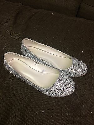 David's Bridal Wedding Ballet Flats Shoes - Sparkly Silver White  Size 9