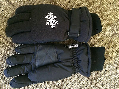 Thinsulate Gloves with Snowflake Velcro Wrist Closure