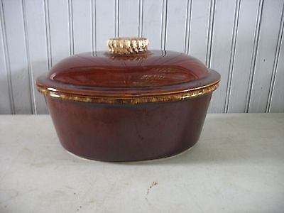 """VINTAGE 9 3/4"""" HULL USA oven-proof Brown Drip 2QT Covered Oval Casserole Dish"""