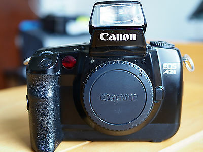 CANON EOS-A2E CAMERA BODY, Made in JAPAN Works well