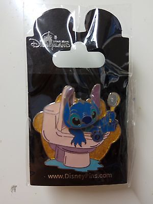 VHTF!  HKDL Stitch Sitting in a Toilet Movable head pin ( Disney Scrump angel )