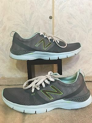 Women's New balance Shoes Size 10 Color Gray Heel Pillow