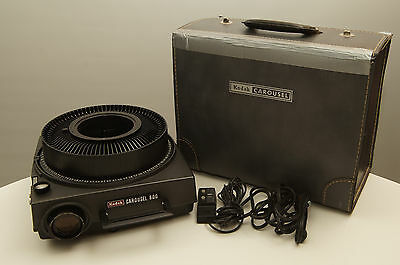 Kodak Carousel 800 Slide Projector with tray, remote, lens, and carry case
