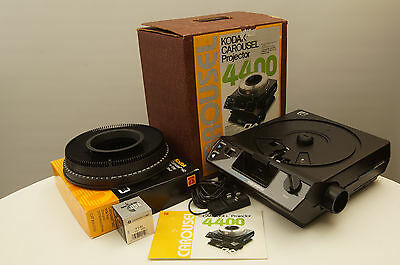 Kodak Carousel 4400 Slide Projector with remote and extra bulb