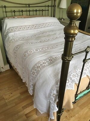 VINTAGE Crochet Lace WHITE BED COVER King Size