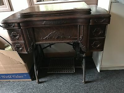 White S.M. Co. Rotary Treadle Sewing Machine 1887 Working Tiger Oak Cabinet