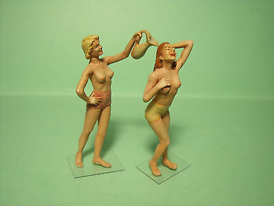 2  Figurines  1/35  Set  347  La  Douche  Vroom  A  Peindre  Unpainted  No 1/43