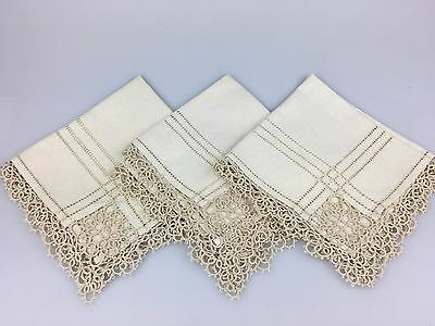 VINTAGE - LOT OF 3 SERVIETTES - LACE EDGE - 27cm SQUARE