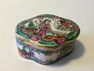 Vintage  Chinese Porcelain Rose Famille Hand Painted Snuff Trinket Box