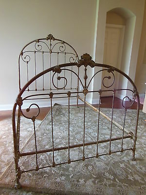 VICTORIAN Antique IRON BED with very UNIQUE History