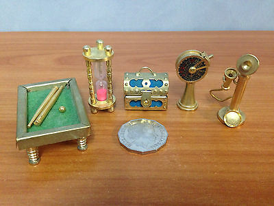 Lot of 5 Pieces Of Miniature Brass Dolls House Furniture - lot 7