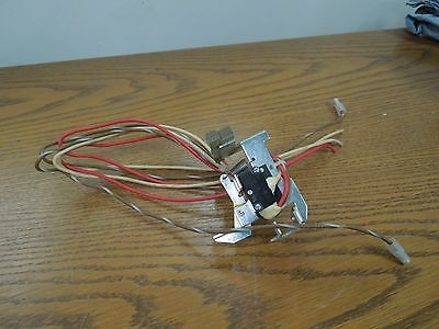 GE Auxiliary Switch (2 Switch Elements) TKM/THKM Frame Breakers Used