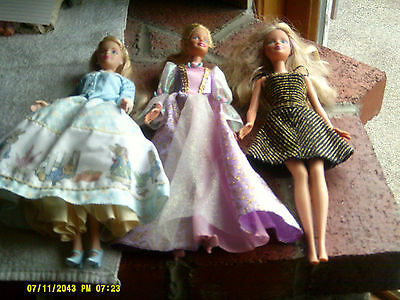 Lot of 3 Mattel Barbie Dolls 1999/1966 with Outfits (*)