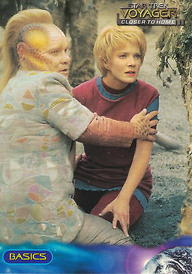 Star Trek Voyager Closer to Home  1999 Trading Card Set (100 Cards )
