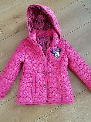 Minnie Mouse girls coat/jacket fits  3-4 years is 5-6 years. Next day post