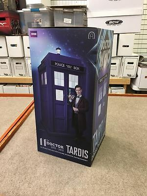 11th Doctor TARDIS 1:6 Scale Figure Diorama BIG CHIEF STUDIOS IN HAND