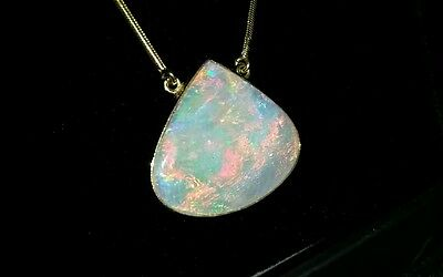 18ct Solid Crystal Jem Opal Pendant on 14ct Snake Necklace Chain.
