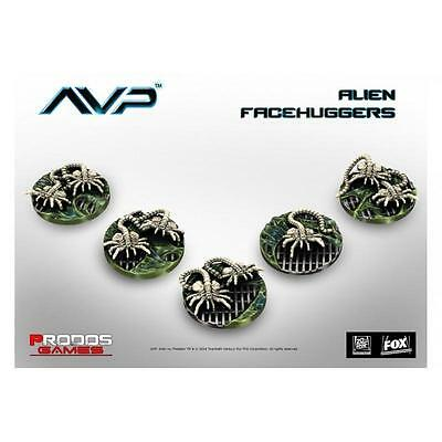 New AVP The Hunt Begins Alien Facehuggers Miniatures