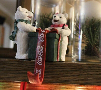 1998 Coca-Cola Polar Bear Cubs Stocking Holder Collection Mint Condition in Box