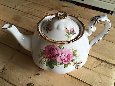 "ROYAL ALBERT TEA POT ""AMERICAN BEAUTY"" Large 6 Cup"